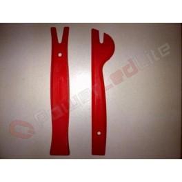 Outils spécifiques PVC pour demontage plafonniers