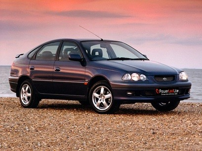 Led Avensis MKI (1997-2003)